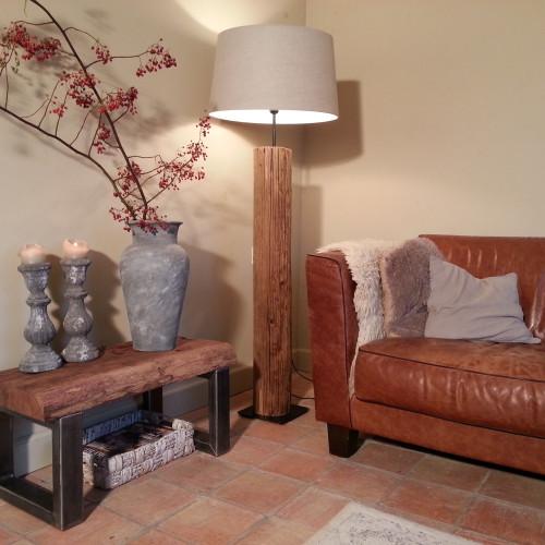 onderstaand verschillende meubels die speciaal voor de klant op maat gemaakt zijn